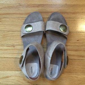 CCO Sale | Taos Carousel Sandal Taupe Size 42 / 12